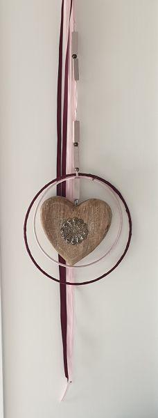 """Holzhänger """"Herz mit Doppelring"""" flieder und rosa 18 cm Durchmesser"""