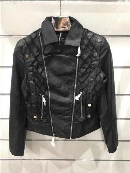 Jacke aus Kunstleder Größen S-M