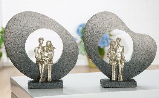 Skulptur Familie im Bogen grau, Figuren champagnerfarben