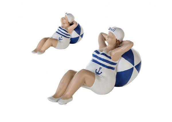 """Figur """"Franzi"""" aus Poly, blau-weiß liegend mit Ball"""