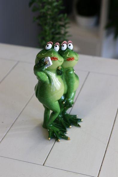 Poly-Froschmädels Selfie, 15 x 10 x 21 cm, grün